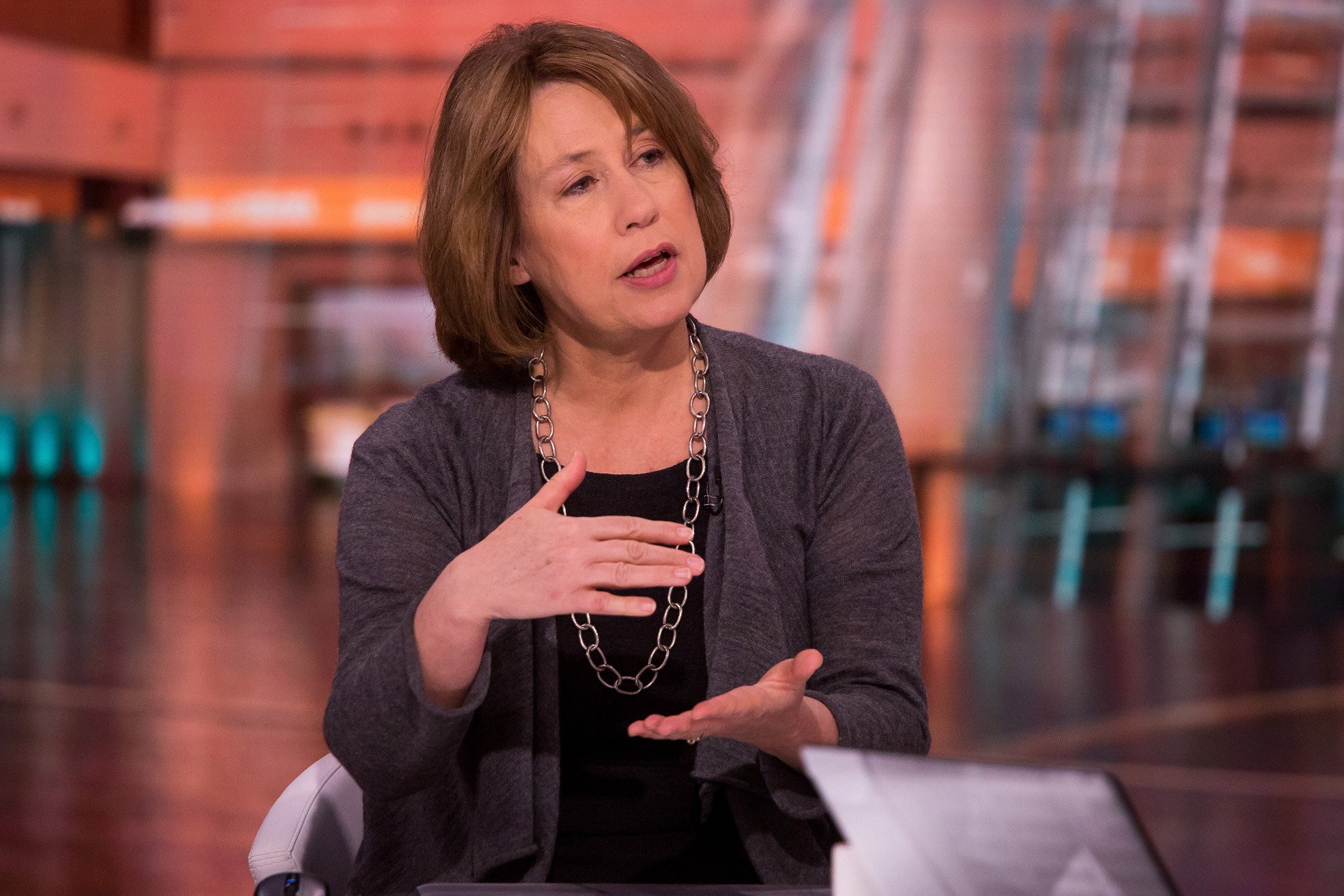 Sheila Bair believes bitcoin and the dollar has no intrinsic value